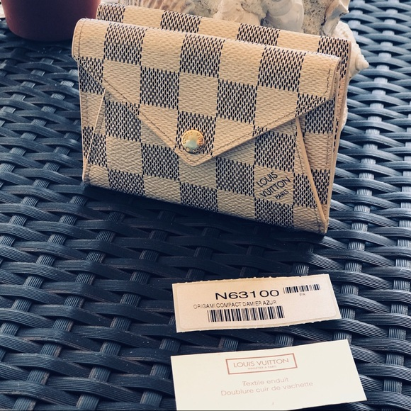 Authentic Louis Vuitton Damier Origami Wallet